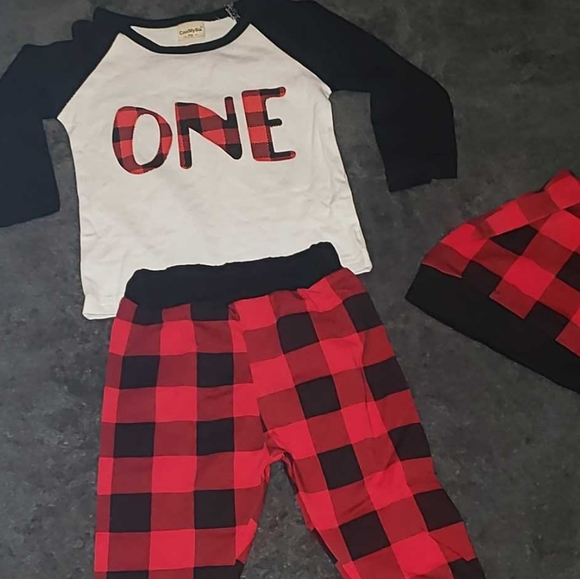 """Infant boys 3pc Carters """"one"""" bday outfit size 12m"""